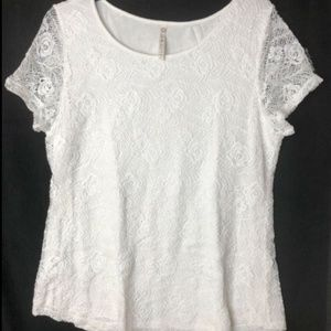 Leo & Nicole White SS Lace Lined Top - Size L
